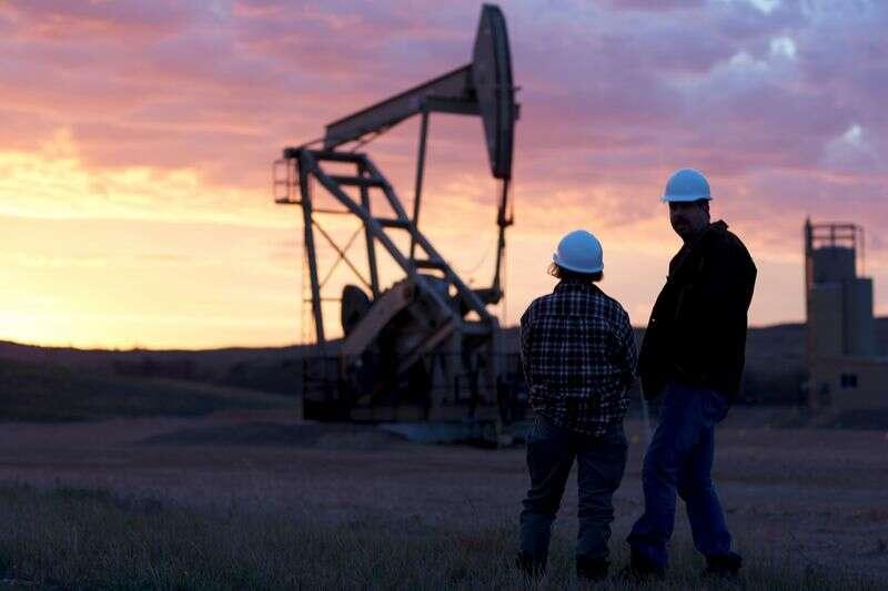 Zrazy ropy naftowej; Ton downbeat pomimo chińskiego wzrostu przez Investing.com