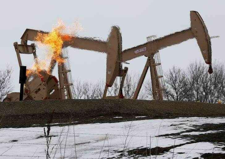 Ropa naftowa na ostrożne perspektywy globalnego popytu w 2021 r. Investing.com