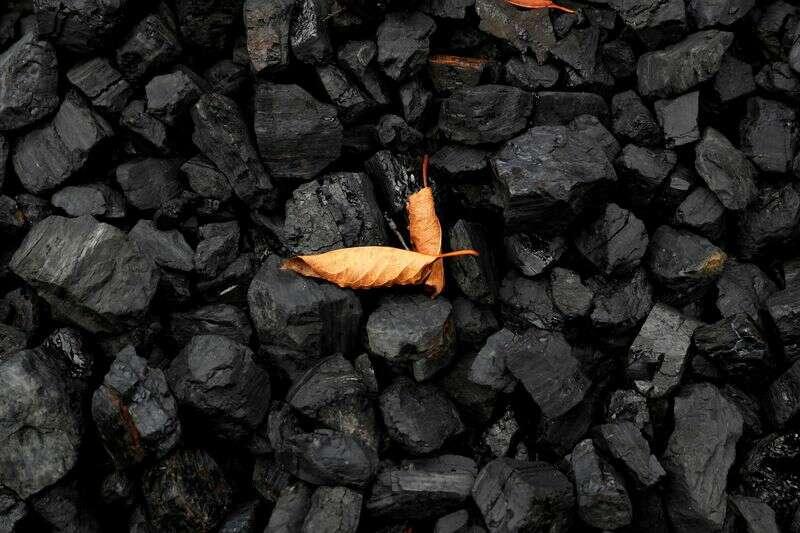 Raport wskazuje miliardy dostępnych funduszy USA na ożywienie kraju węgla Reuters