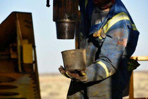 U.S. Wyjście oleju łupkowego, aby wznieść się do najwyższego od 2020 r. Przez Reuters