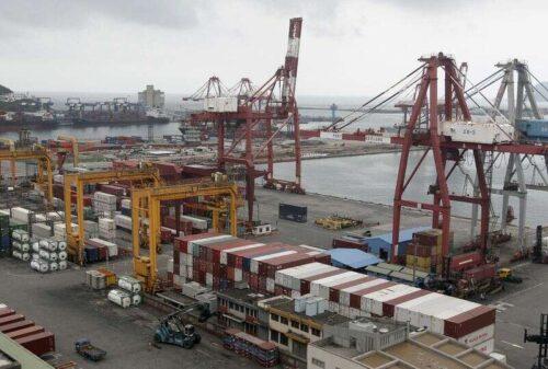 Tajwan Lipiec Eksport Zamówienia widziane wznoszenie się na 17. prosty miesiąc: Reuters Ankiety przez Reuters
