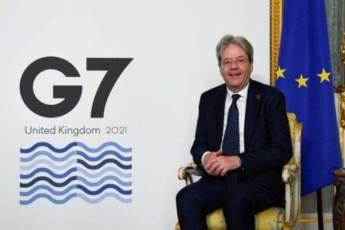 Włochy otrzymują 25 mld euro w pierwszej transzy funduszu odzyskiwania wirusa UE przez Reuters