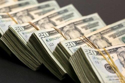 Dollar do dziewięciu miesięcy wysoko nad możliwością Fed Taper w 2021 przez Investing.com