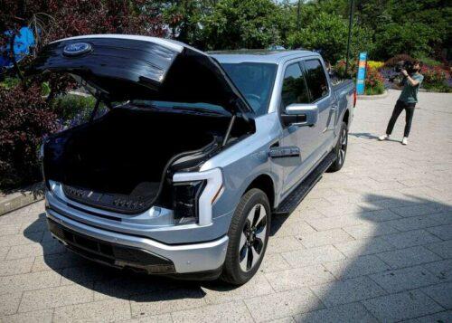 Exclusive-Ford Doubles Cel produkcji pioruna na silne zapotrzebowanie na wstępnie uruchomienie -Sources przez Reuters