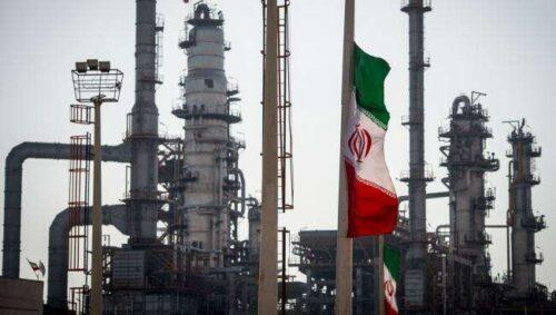 Reżim Talibów Szukaj wędrówki w imporcie paliwa Iranu, ponieważ ceny skakają przez Bloomberg