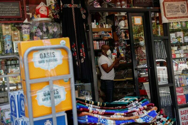 Aplikacje USA do rozpoczęcia biznesu spadają w sierpniu przez Reuters
