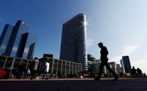 Francuski boom business uluj w sierpniu jako personel, presja cenowa bite -pmi przez Reuters
