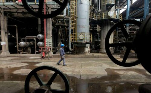 U.S. Wyjście olejowe spada przez większość na rekordzie po Hurricane Ida przez Bloomberg