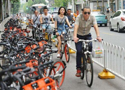 Kontrakty sektora usług w Chinach jako ostatnie ograniczenia COVID-19 wymagają opłat za inwestycje