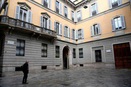 Mediobanca, Top Investor Del Vecchio Sięga Rozejmuj na Były Zmiany przez Reuters