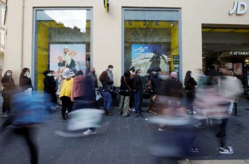 Francuska inflacja trafiła w pobliżu 10-letnich 2,7% we wrześniu przez Reuters
